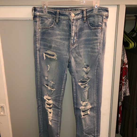 American Eagle Outfitters Denim - Light wash High rise jeans